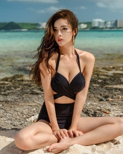 Jin-Hee-Beachwear-Set-17.01.2018-Truepic.Net