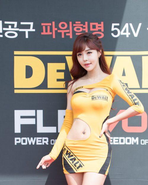 Seo Jin Ah at CJ Super Race Championship 2017, Hot girl Korean
