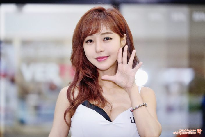 Seo Jin Ah - hot model in Korea - Seoul Auto Salon
