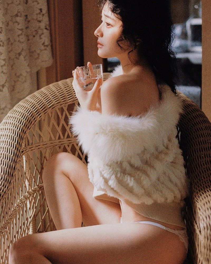 Chinese sexy model - Beautiful Fairy in white - Photos by A-mu