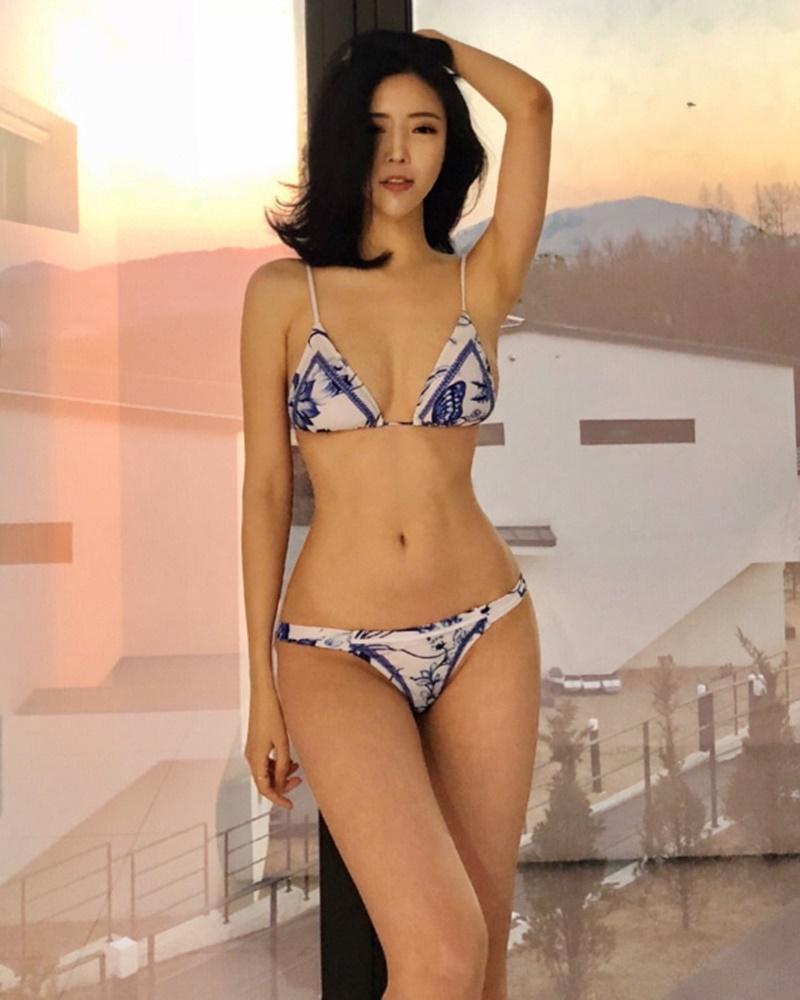 Choi Somi - Blue White Bikini - Korean model and fashion