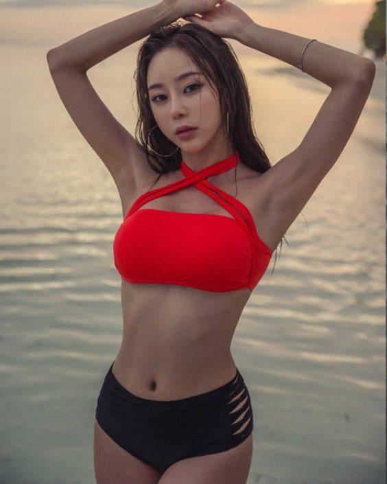 Hyun Kyung - Glam Chic Bikini - Korean model and fashion