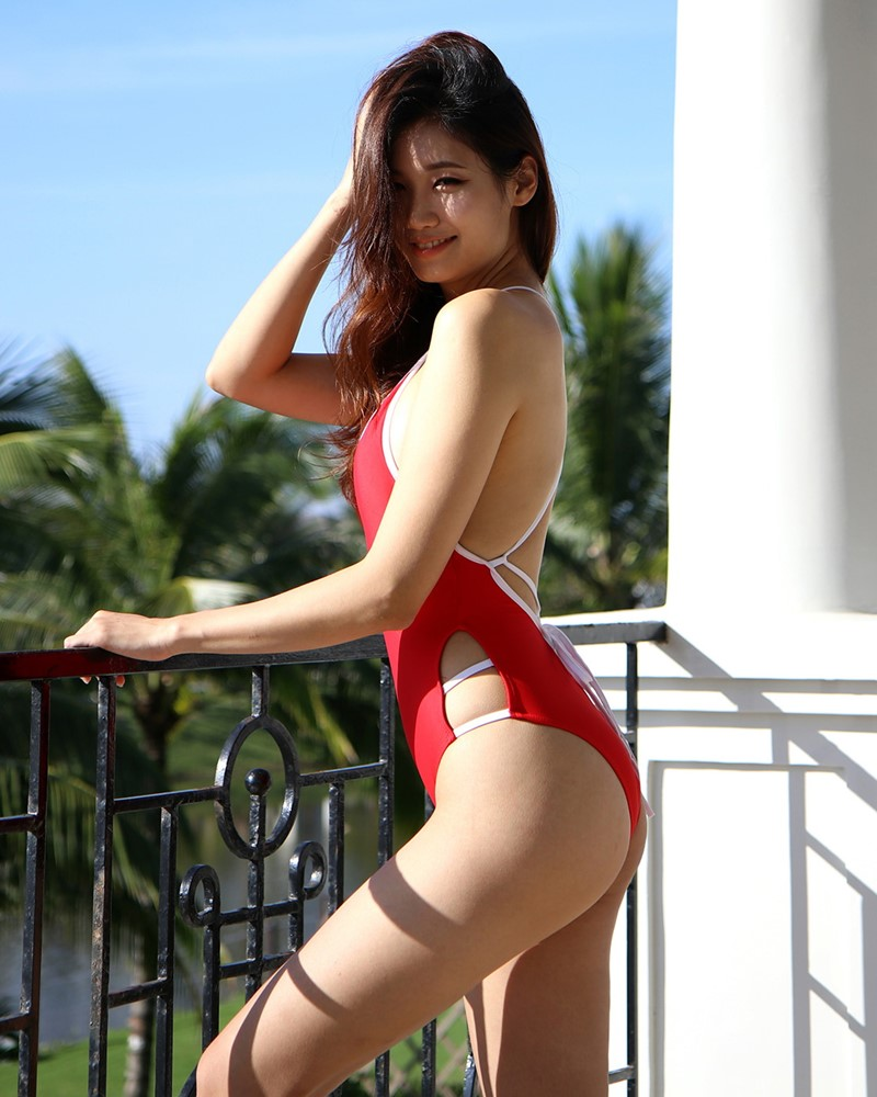 Korean fashion model - Lee Hee Eun - Baywatch Red Swimsuit - TruePic.net
