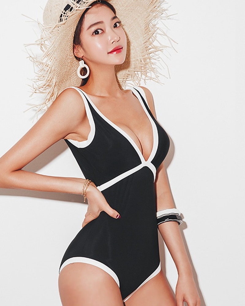 Korean fashion model - Park Jeong Yoon - Lemere Monokini