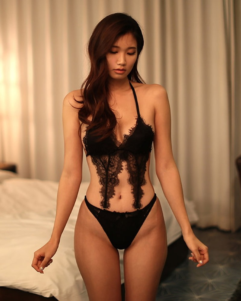 Lee Hee Eun - Bohemian lace black lingerie - Korean model and fashion