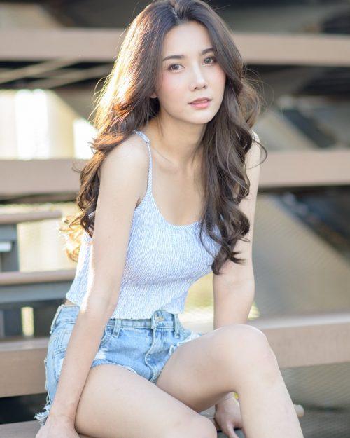 Image-Thailand-Model-Baiyok-Panachon-Cute-White-Crop-Top-and-Short-Jean-TruePic.net