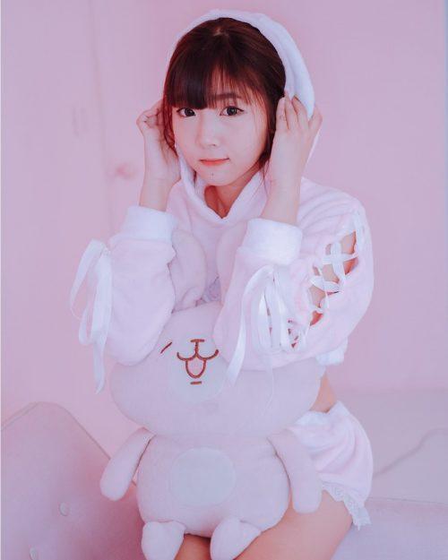 Image Thailand Model - Pakkhagee Arkornpattanakul - Pink Bunny - TruePic.net