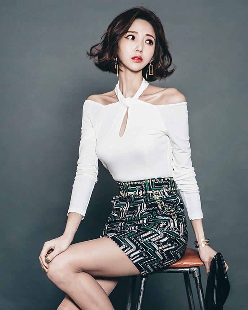 Ye Jin - Korean Fashion Model - Studio Photoshoot Collection - TruePic.net