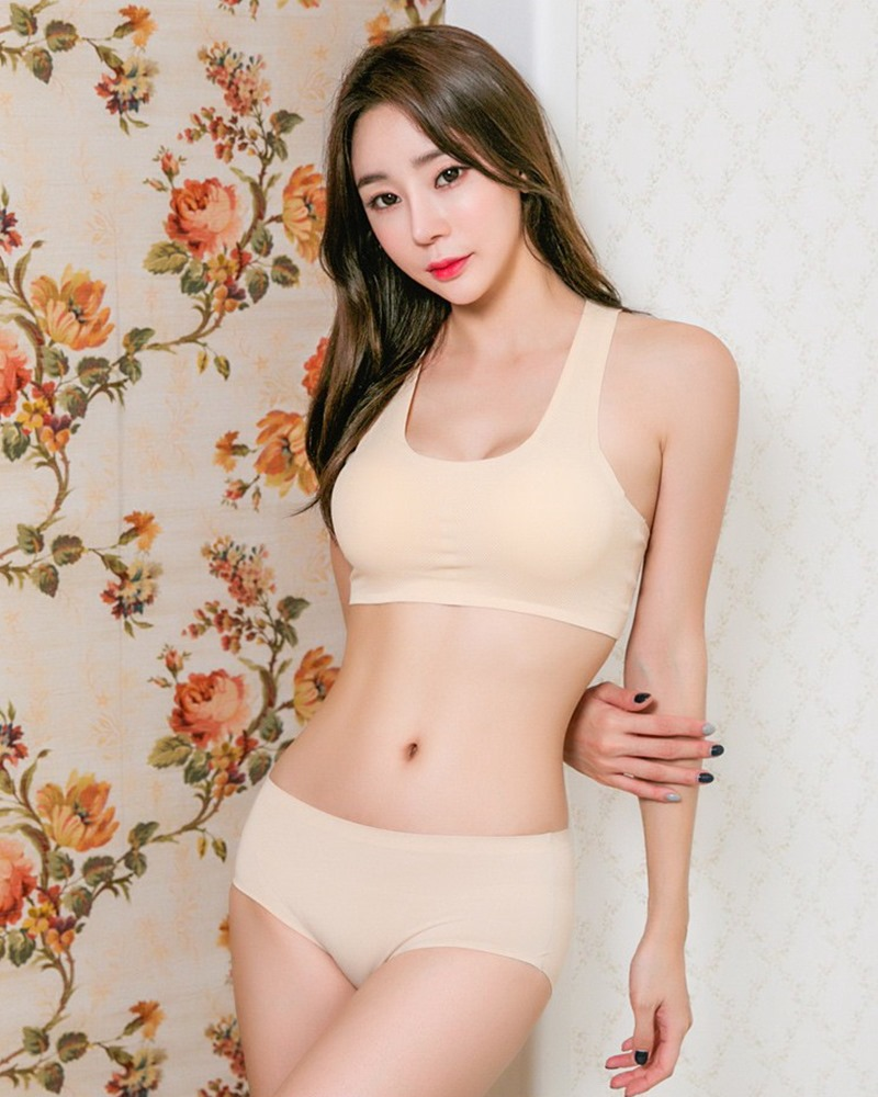 Hyun Kyung - Korean Fashion Model - Nude Color Undies - TruePic.net