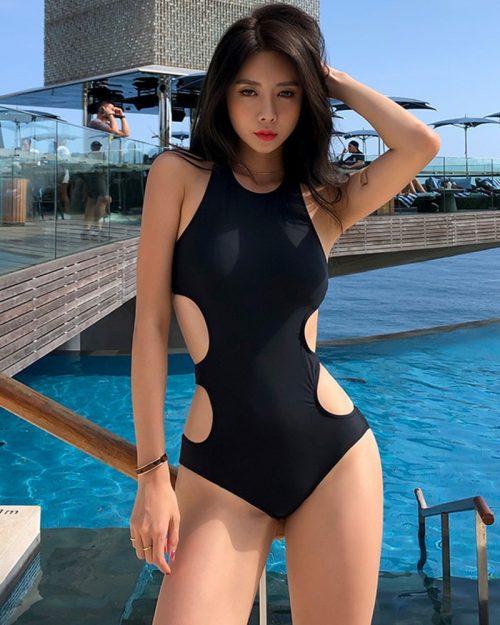Kwon Byul - Korean Fashion Model - Black Monokini - TruePic.net