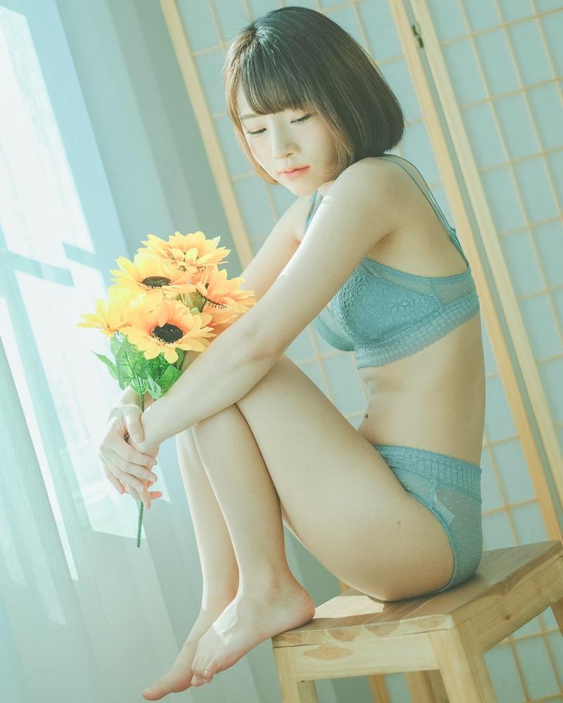 Thailand Model - Ar Yumi - Sun Flower and Light Blue Lingerie - TruePic.net