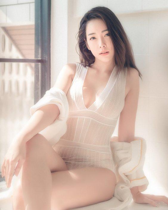 Thailand Model - Soraya Suttawas - Monikini Bath Light - TruePic.net