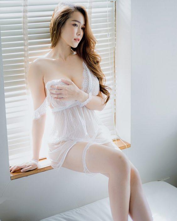 Thailand Model - Mananya Benjachokanant - Beautiful In White - TruePic.net