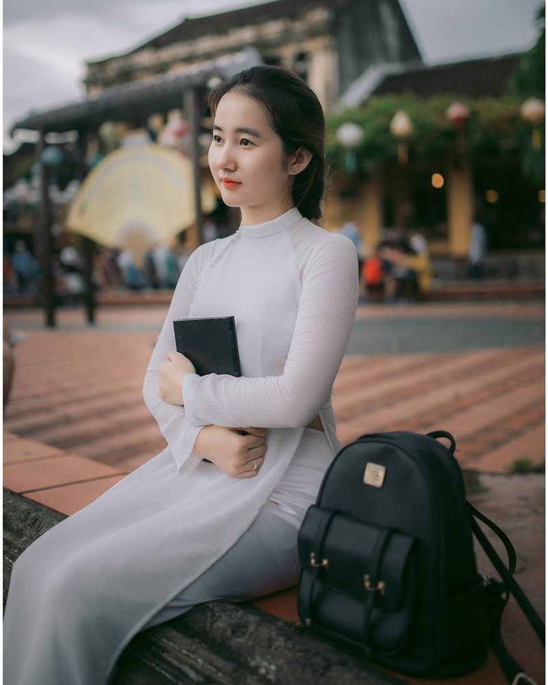 Vietnamese Cute Girl - Vo Xuan Chau - Ao Dai at Hoi An - TruePic.net