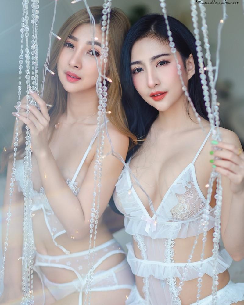Thailand Model - Pattamaporn Keawkum & Anita Bunpan - Girls & Light - TruePic.net
