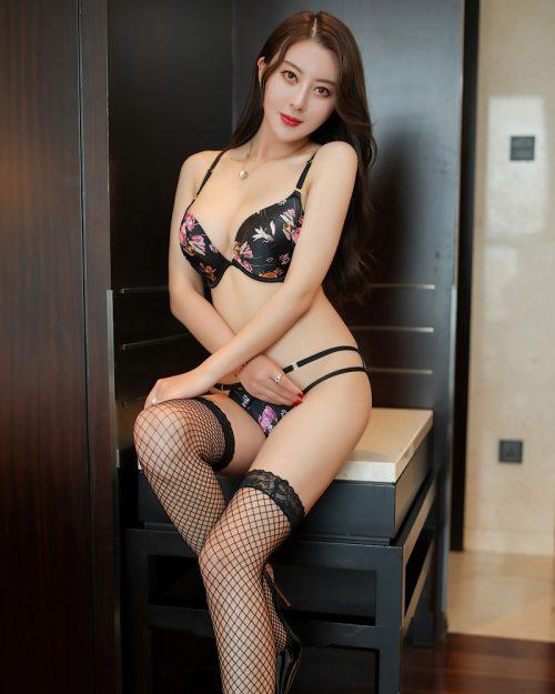 XIUREN No.2650 - Chinese Model - 李夫人 - Floral Lingerie - TruePic.net